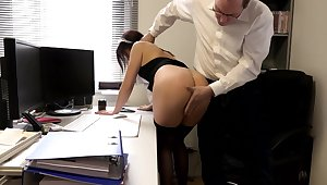 SExy amateur maid pussy fucked by the saleable man