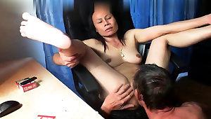 Thai asian milf of age suck fuck anal