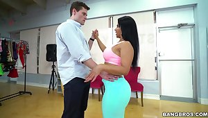 Curvy Latina wife knows however to dish a catch right inches