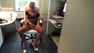 Dildo Show Not far from Rht Nylons - Sex Movies Featuring Meet with disaster Nylon - Kyra-